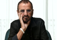 Ringo-Starrs-Trying-To-Sell-The-First-Issue-Of-The-White-Album